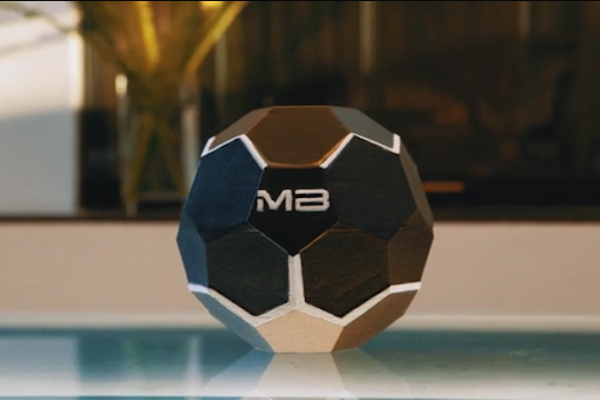 THE MOTHERBOX BRINGS REMOTE WIRELESS CHARGING TO YOUR SMARTPHONE