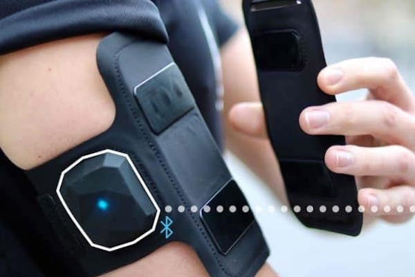 CROWDFUNDED ARMBAND IS ALSO A HEART RATE MONITOR FOR SMARTER TRAINING