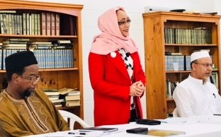 Left to right: Mustafa Farouk (President of FIANZ), Hon Jenny Salesa (Minister for Ethnic Communities), Dr Anwar Ghani (Chairman, FIANZ Public Relations Team).