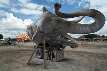 Wimo Ambala Bayang - Sleeping Elephant in the axis of Jogja: Sultan Square, 2011 Courtesy Ark Gallerie (participating in Marker)